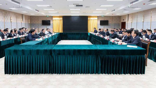 龚正市长率上海市代表团来到喀什,上海对口支援新疆工作座谈会召开