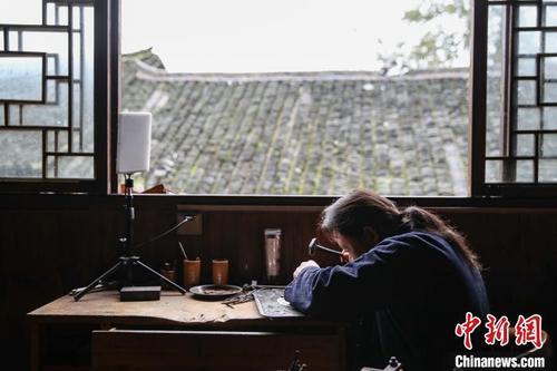 """k5电竞官网:贵州雷山""""小银锤""""敲出农村幸福之路"""