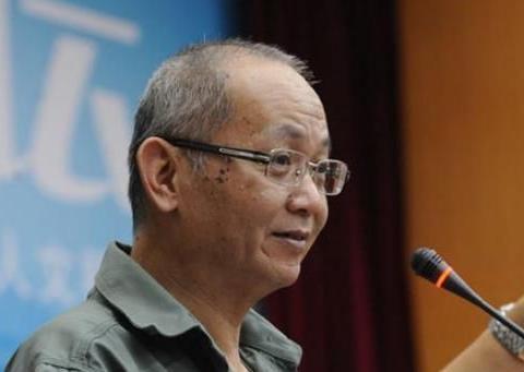 广州电视台节目主持人陈扬,一个脸上写满沧桑的亲民好主持