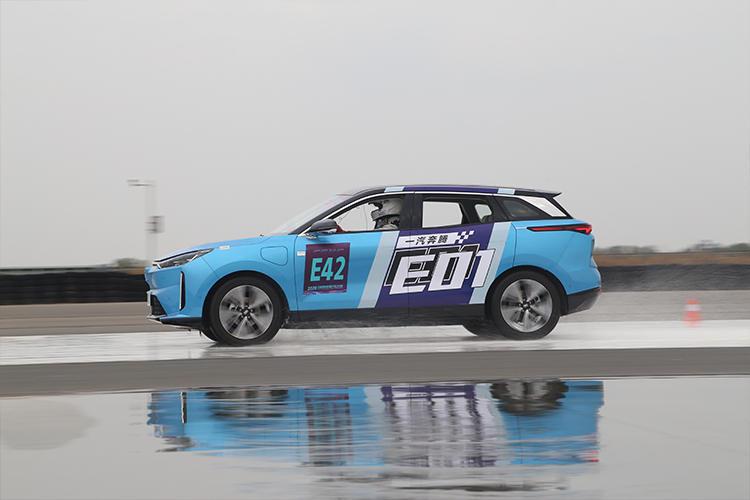 20辆热门新能源车型同台竞技!新能源汽车大赛赛果抢先看