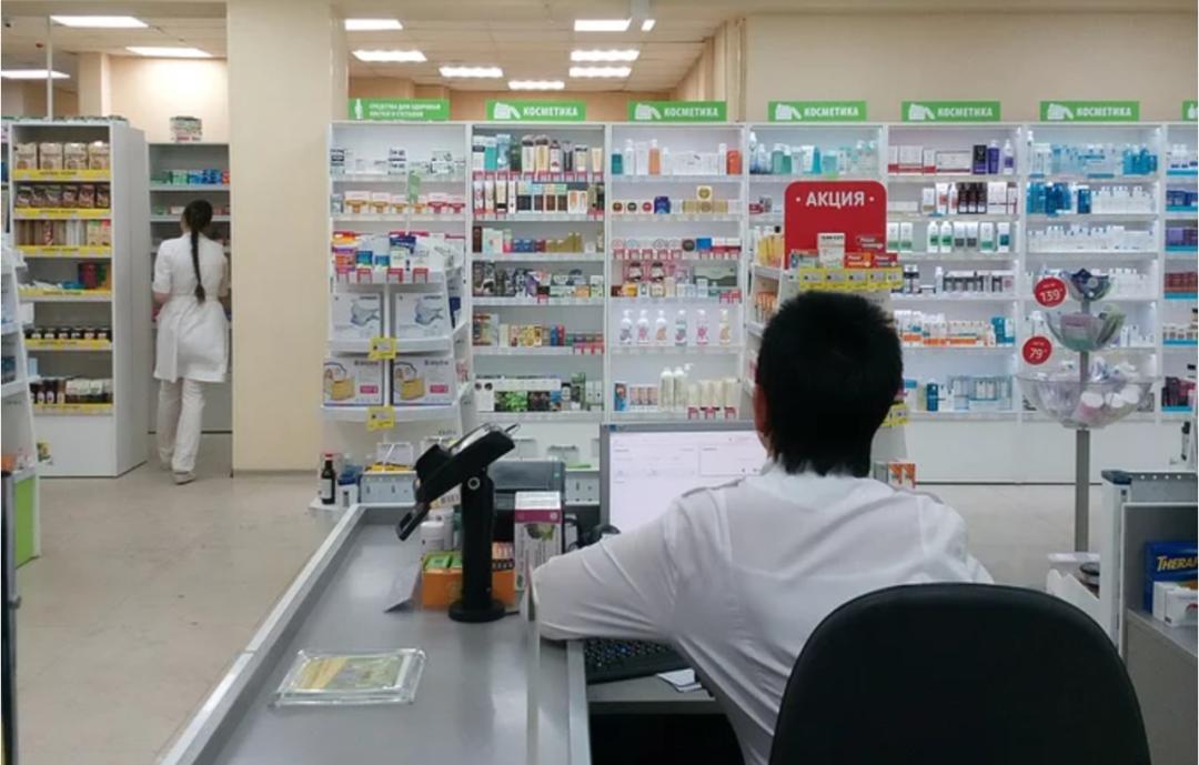 医保个人账户年收入将腰斩 靠医保卡的零售药店如