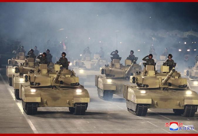 朝鲜阅兵展示最新坦克 性能瞄准世界先进行列