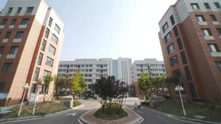 山东工艺美术学院产教融合青岛基地过渡校舍改造工程完工