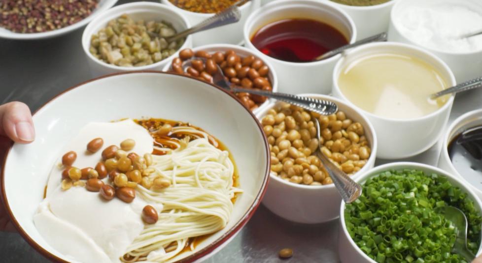 国庆吃面 国泰民安|今天,整碗河水豆花面图片