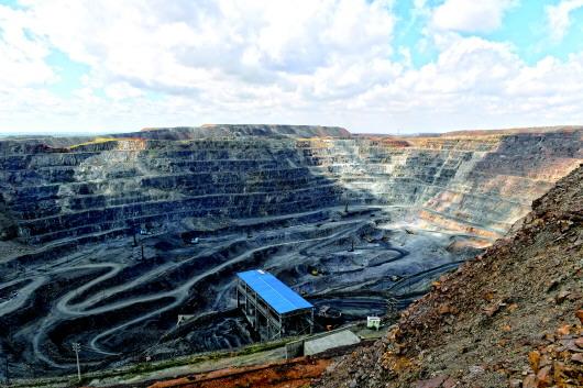 白云鄂博矿:世界最大稀土矿60多年一直被当铁矿挖图片