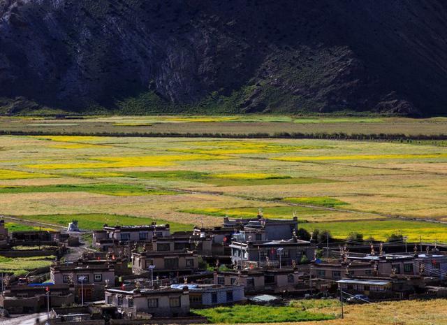 我国最接近天堂的村庄,村民平均寿命40岁,全村共用1个厕所