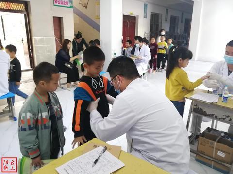 """阳新县妇幼保健院""""全县托幼儿童免费健康体检""""活动走进白沙"""