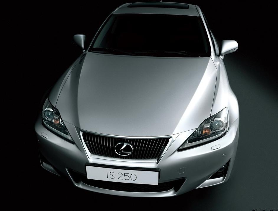 15万预算买二手豪车 V6引擎雷克萨斯和16年奔驰该选谁