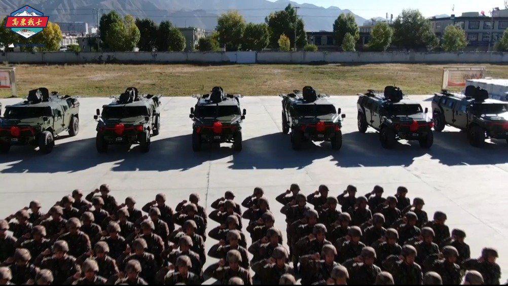 新装入列,如虎添翼!防护性突击车列装西藏军区某边防部队