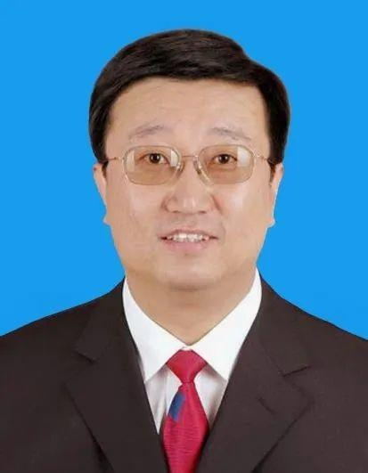 原黑龙江北大荒农垦集团农江农场有限公司党委书记、董事长、