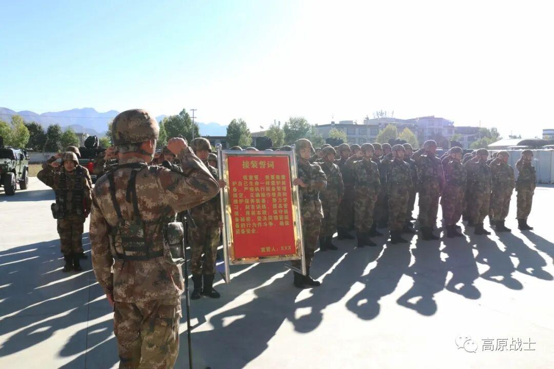 防护性突击车列装西藏军区某边防部队