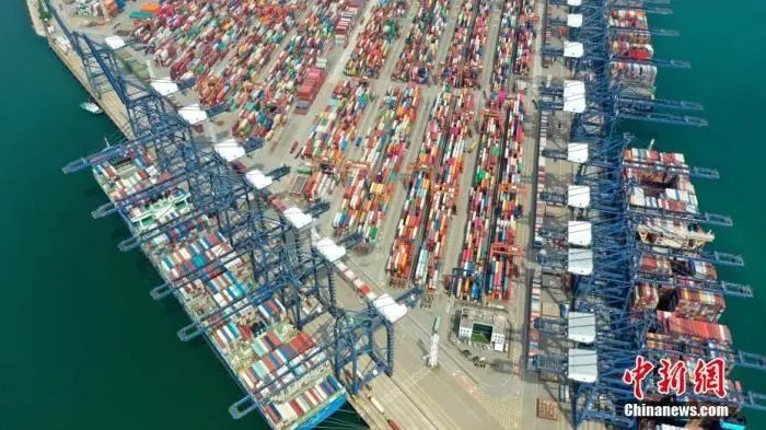 图为盐田国际集装箱码头一角。中新社记者 陈文 摄