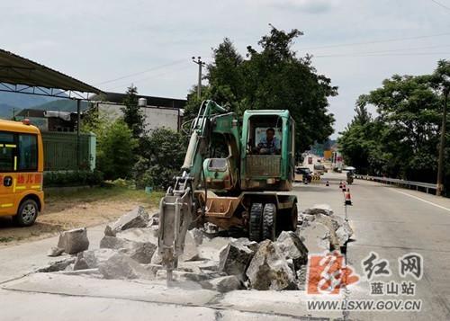 """蓝山:公路养护""""迎评全国""""取得成效"""