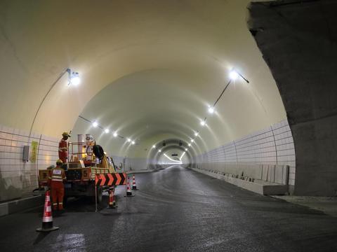 文泰高速:万盏明灯照亮全线20座隧道