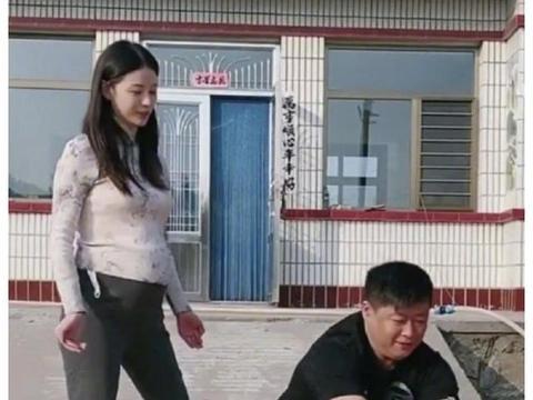 """《乡村爱情》""""谢永强""""贺树峰当爸,妻子孕肚曝光,今年4月结婚"""