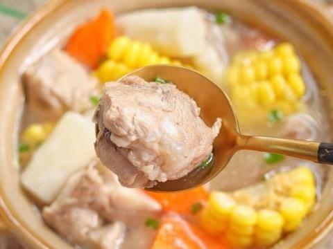 山药玉米猪骨汤家常做法,汤鲜味美,滋补身体超赞