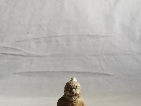 宋元时期豆青釉姜太公钓鱼小瓷塑