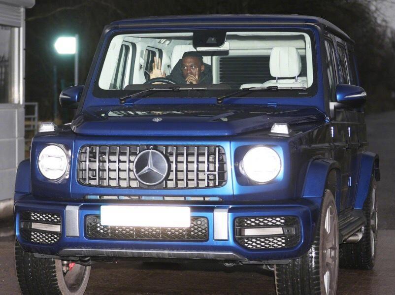 据《太阳报》报道,日前万-比萨卡被发现开车超速……