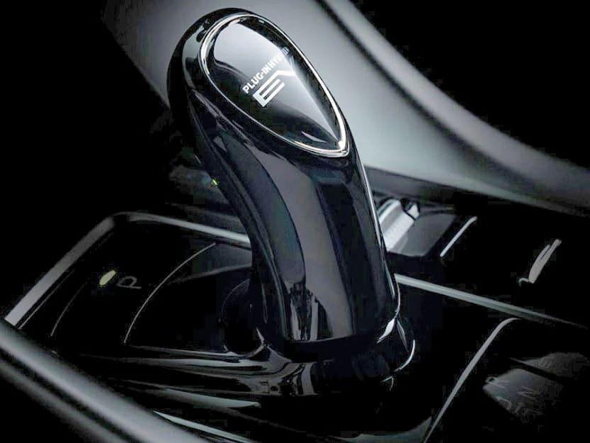 新款上汽大众途观L上市;宝马X8混动车型谍照曝光