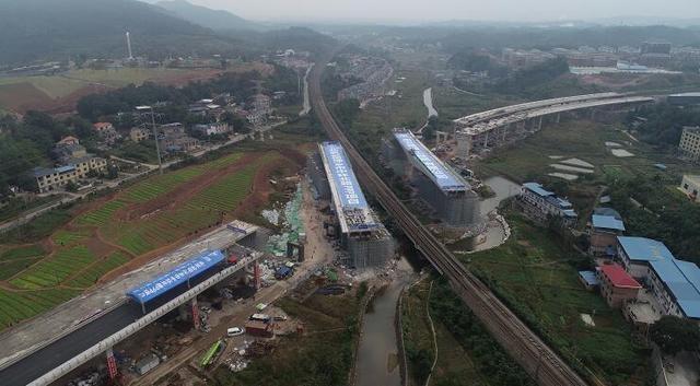 """""""空中芭蕾""""!江西省最重吨位公跨铁转体桥华丽""""转身"""""""