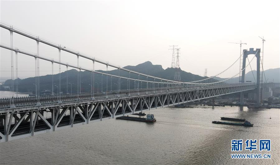 江苏镇江:五峰山长江大桥开通在即