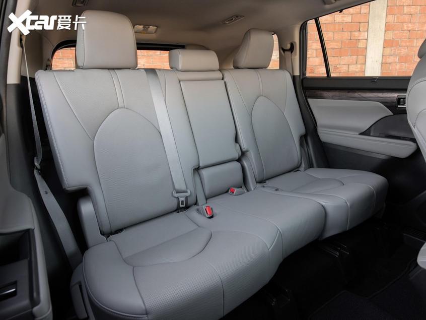 全新丰田汉兰达现身国内 有望11月发布