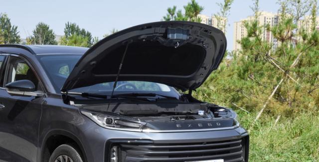 15万起的中型SUV:火星架构、无边界格栅、带呼吸灯