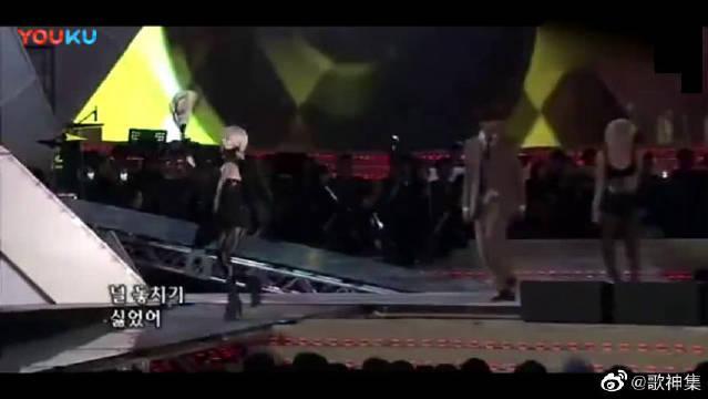 李贞贤演唱会现场版《独一无二》……