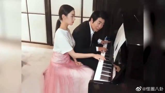 郎朗和吉娜夫妻俩四手联弹经典梦幻曲《天使爱美丽》爱了爱了!