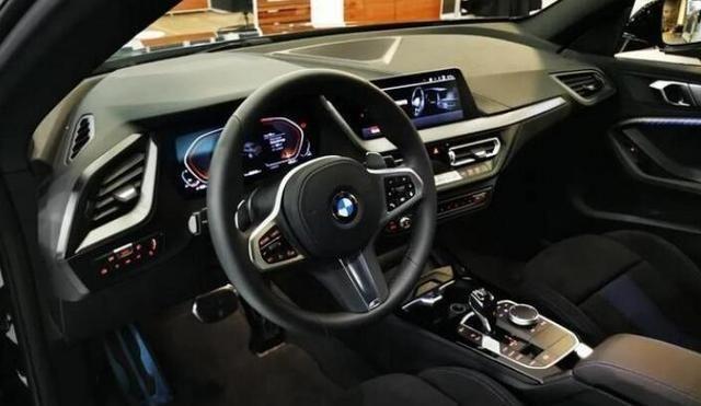 全新宝马2系海外实拍 新车将搭载2.0T发动机