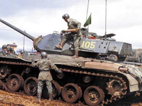 不是62式!15式驰骋的今天,我国竟还有一款轻型坦克没退役?