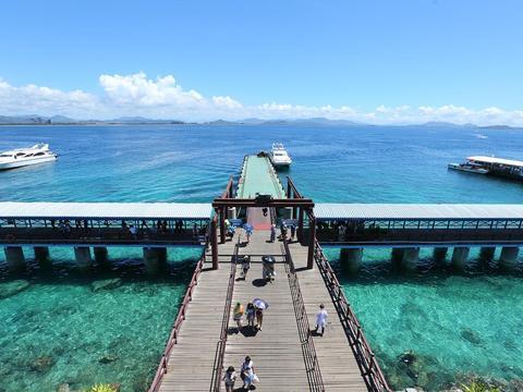 畅游三亚蜈支洲岛,全年温和气爽,四季宜人,距海岸线仅3公里