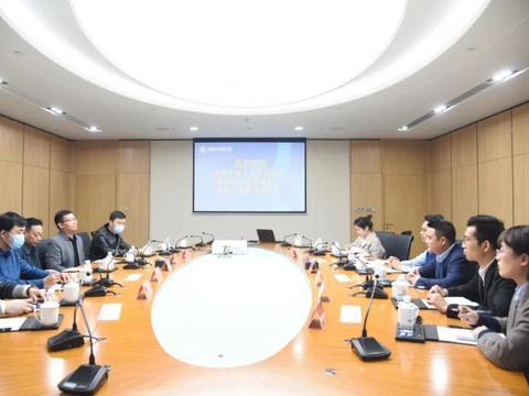 河南省人社综合服务中心办公室主任赵军亮一行莅临园区