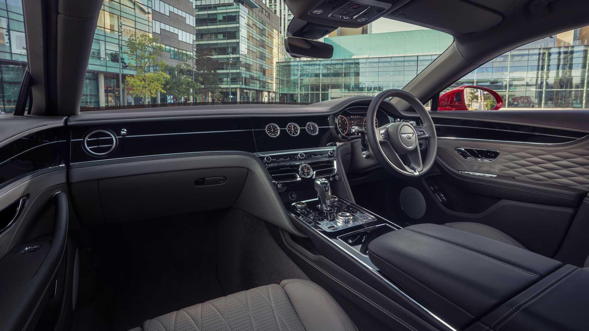 全新宾利飞驰V8官图正式发布 2020年底前开始交付