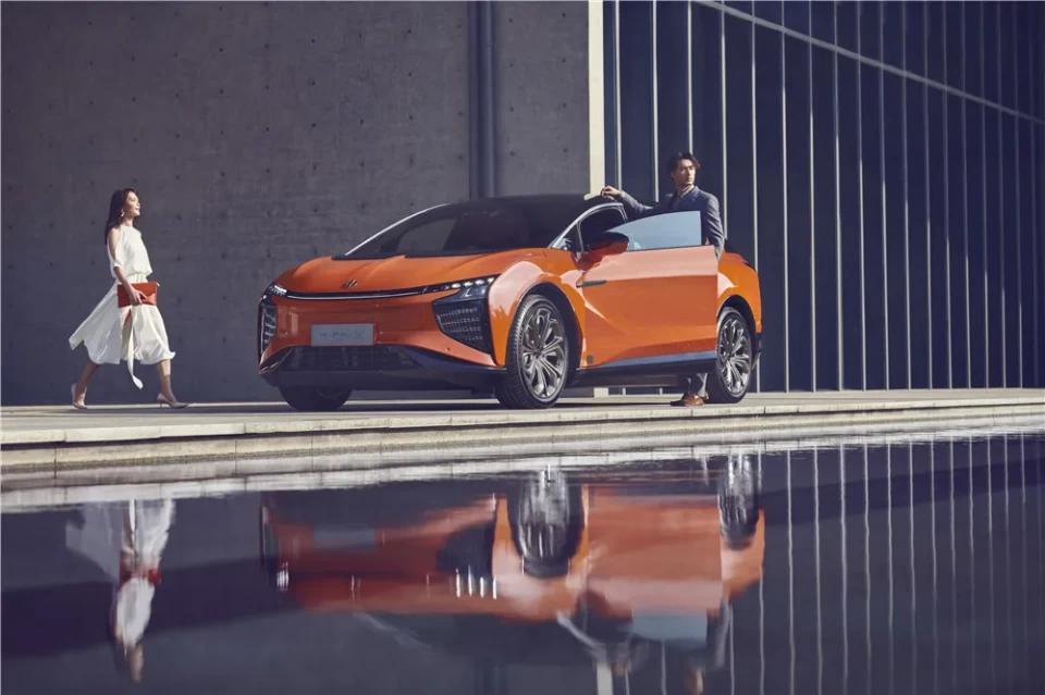 高合HiPhi X:给未来十年的智能电动车打个样
