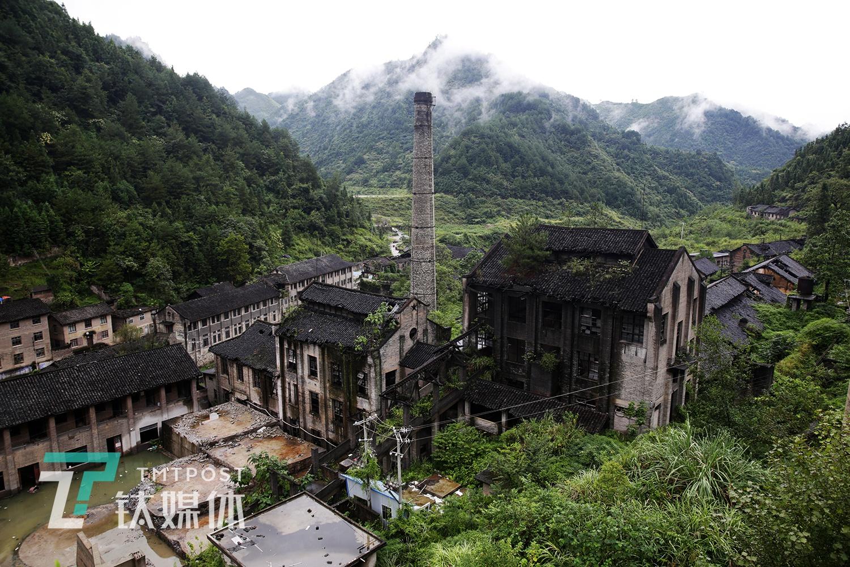 深藏大山的汞矿遗址,孤身守矿的他,一辈子没有离开| 钛媒体影像《在线》