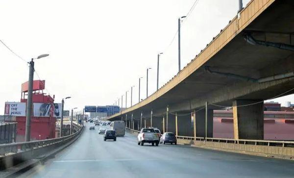 民怨沸腾:1.7亿兰特打水漂?南非约翰内斯堡市政高速公路大整修