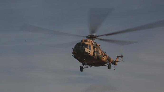 阿富汗两架军用直升机相撞致9人死亡