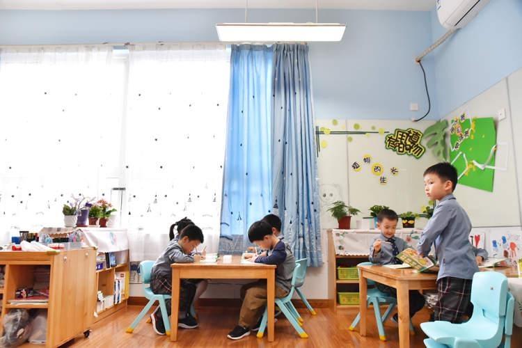 闵行科技幼儿园:护眼灯改造送给孩子温馨照明