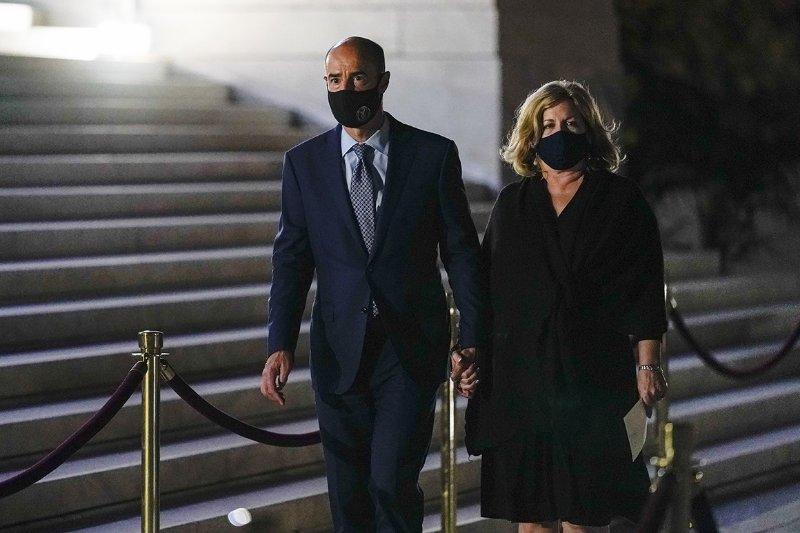美劳工部长居家隔离,其妻新冠病毒检测呈阳性