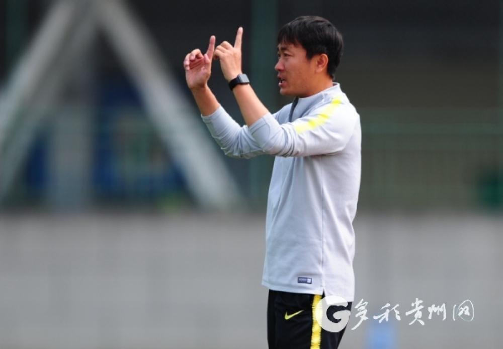 打完810分钟比赛后,王新欣结束贵州恒丰主教练之旅