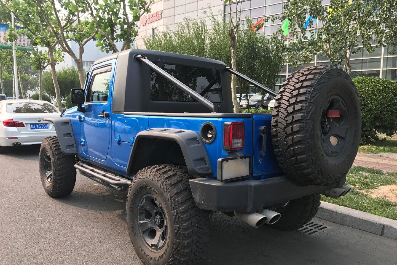 jeep终于爆发!3.0T柴油动力+四驱,单排造型比路虎卫士还霸气!