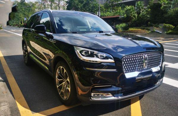 又一良心豪车,标配3.0T双涡轮10AT,5层隔音,却比X5便宜19万