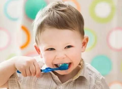 牙齿护理,从宝宝开始第一颗乳牙萌出~