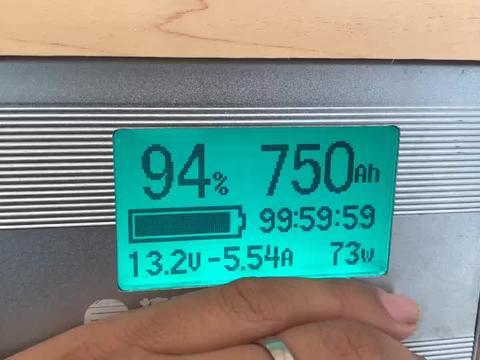 312, 房车配800ah锂电加底置发电机, 依然升级48v系统, 看看对比