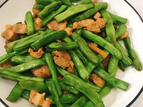 美食家常菜推荐:四季豆炒肉,酱爆墨鱼仔,蒜蓉红薯叶,营养美味