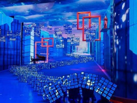 4000片全柔性屏流光溢彩 柔宇科技点亮深圳40周年文艺晚会