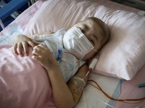 河北9岁男孩患重症拒绝使用止疼药,禁食4个月体重仅剩23公斤