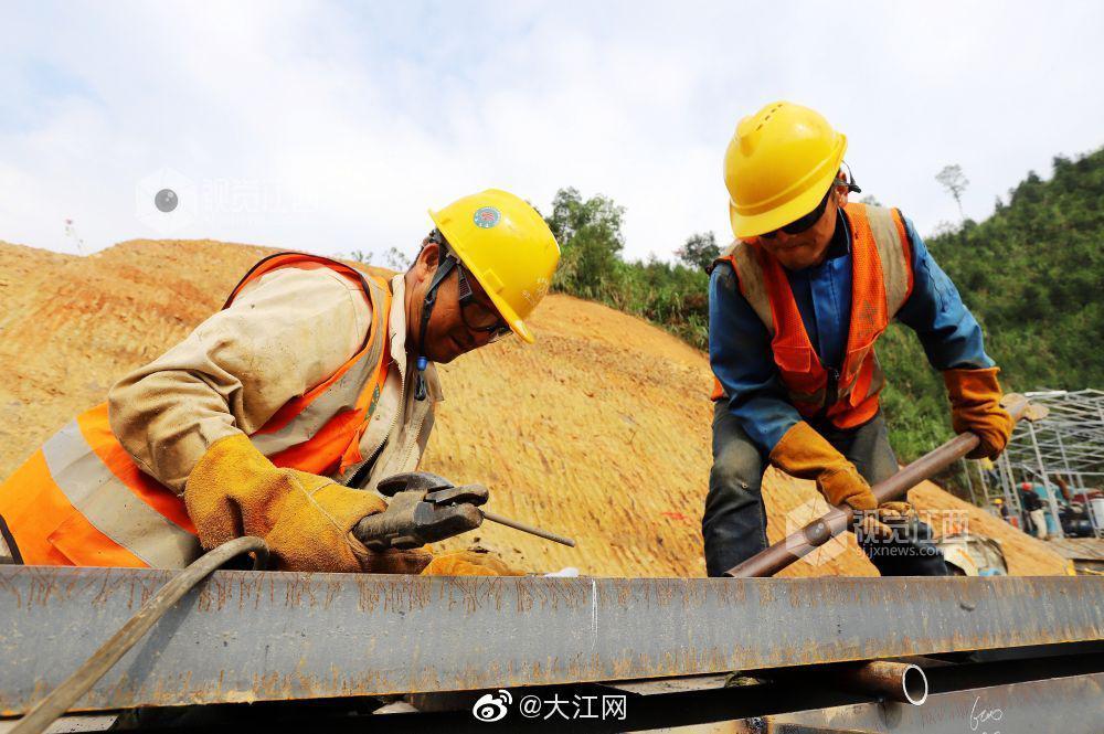 江西安福:宜遂高速公路建设如火如荼 安福至莲
