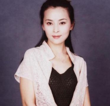 2011年,黄志忠为了柯蓝与何音离婚,何音现在怎么样了